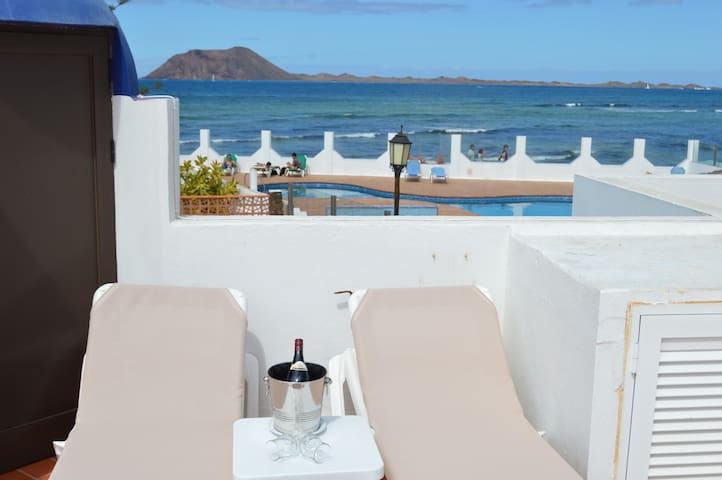 Excellent house first line Sea with 3 bedrooms - Corralejo - Rumah
