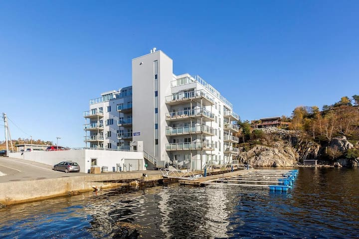 Modern apartment close to Bergen with seaside view