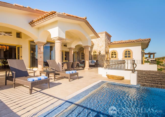 Elegant Villa at Cabo Del Sol with Spectacular Views