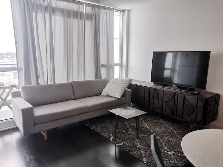 1 Bed - New/Quiet Condo in Mid-Town, Toronto