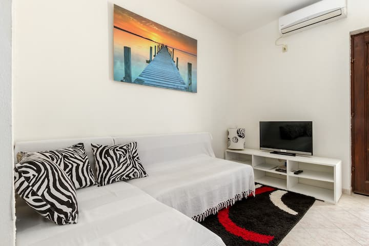 Apartments Marasovic - Roko