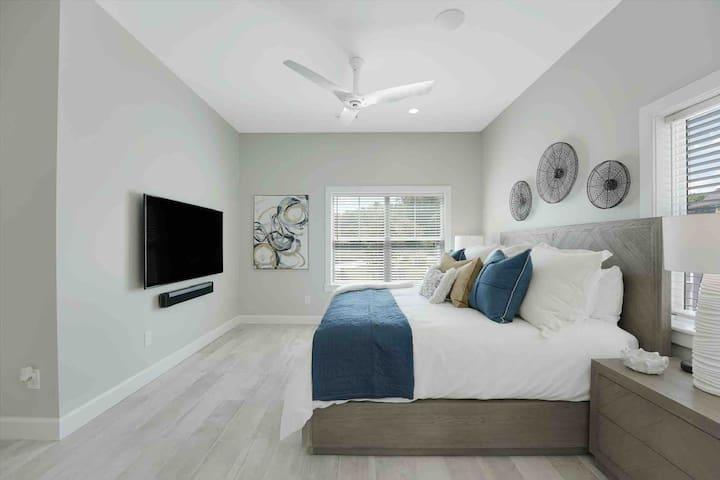 Master suite 65 inch tv w/ Sonos surround sound
