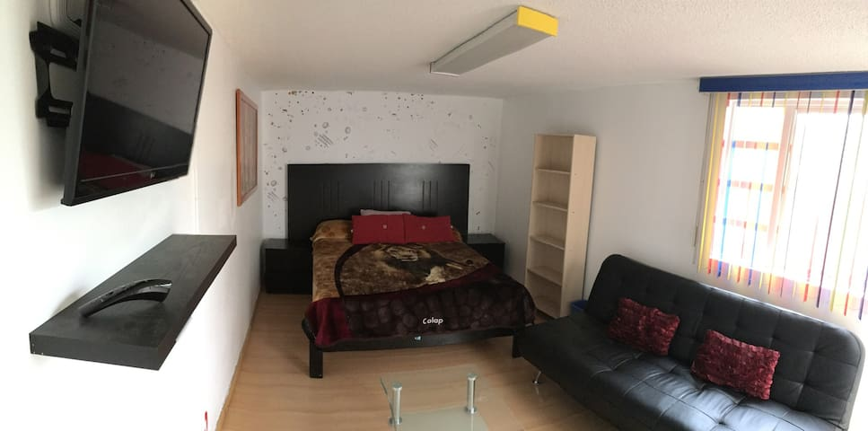 Independent room with bathroom - Tlalnepantla - Casa
