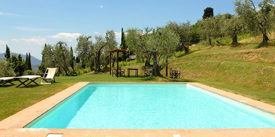 Private House in Agriturismo for 8people with pool