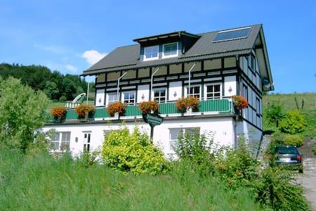 Hochsauerland Ferienwohnung im Hennegrund - Schmallenberg