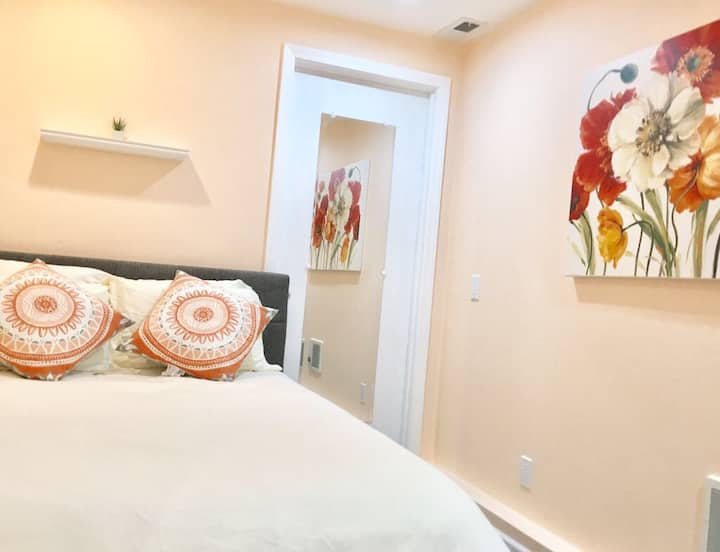 New! Charming & Cozy SF Hideout - Room C