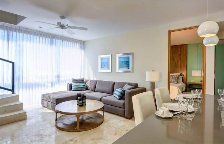 Central, Private Rooftop, Pool, Modern, Security