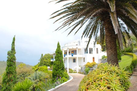 Luxury Greek Style Villa, Waihi Beach - Bowentown
