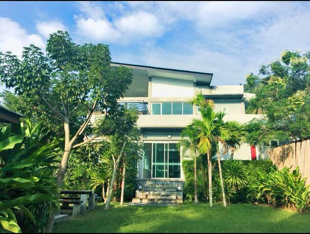 Pool villa In Aonang Kith home