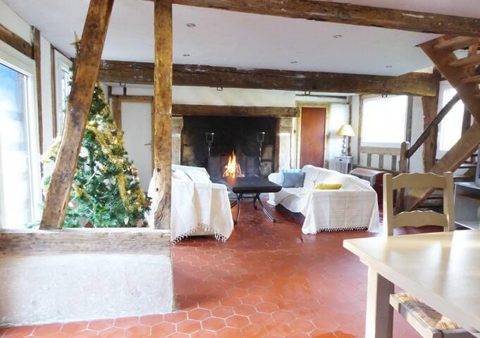Maison normande spacieuse, Le clos Harmonie - Landepéreuse - House