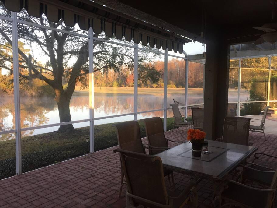 Patio-Golf Course / Lake View