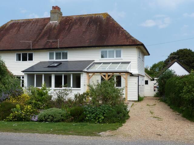 Sussex Seaside Holiday - Lavender Cottage