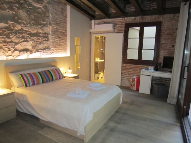 Central Loft San Pau   Private Room and Bathroom - Barcellona - Loft