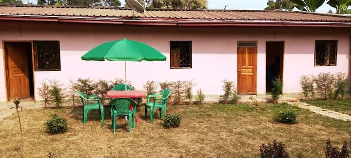 Charmant Studio calme + 2eme chambre à Bamougoum