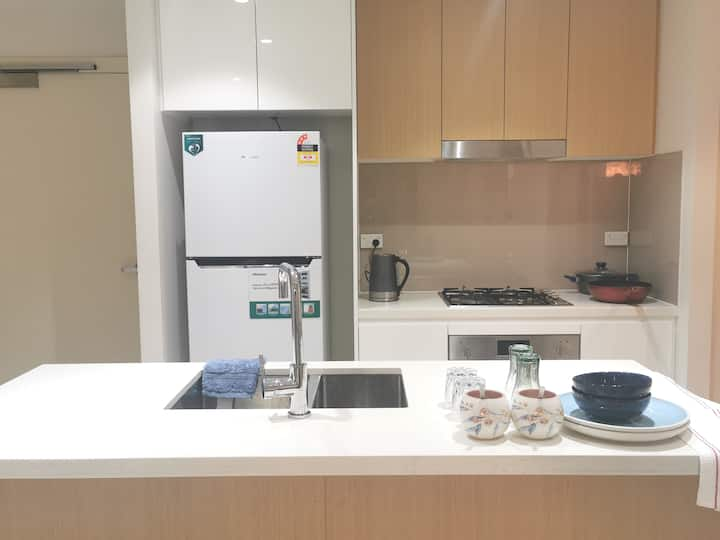 Entire Modern Clean Quite New 2BED Apartment