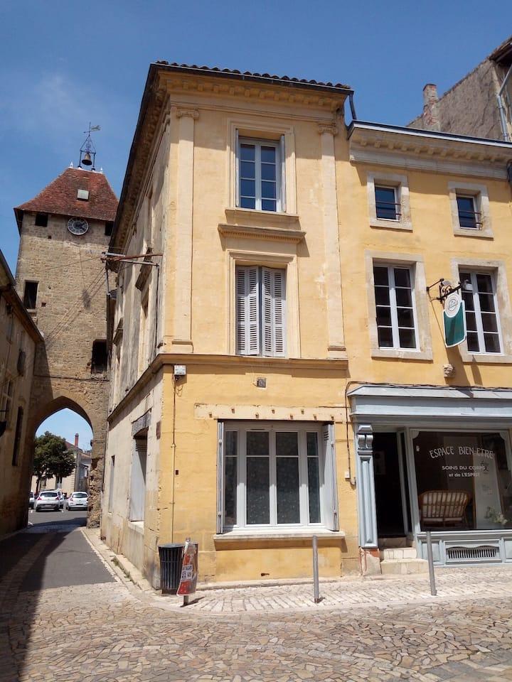 Bel Appartement au cœur d'une cité médiévale