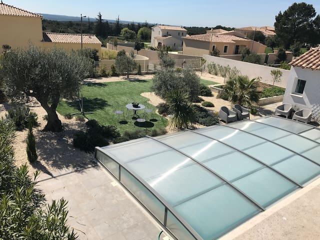 3 pieces terrasse dans villa