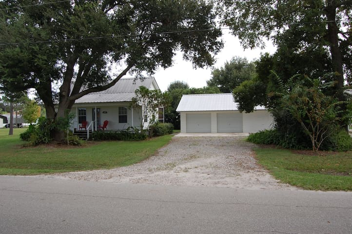 Cottage Home Close to Lake Rosalie - Lake Wales