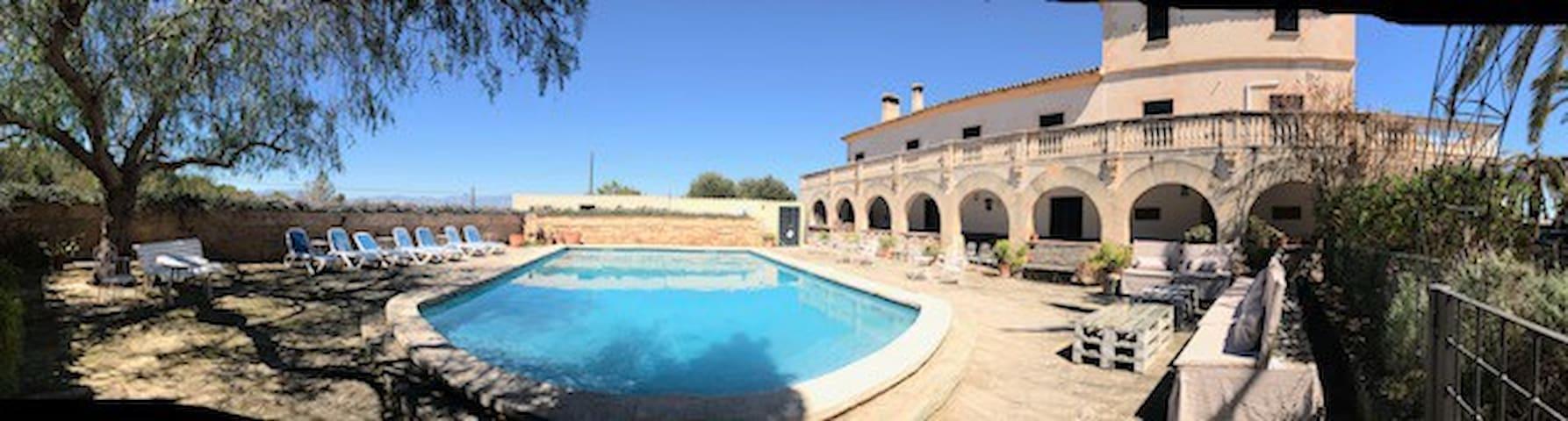 Bonita, luminosa planta baja con piscina