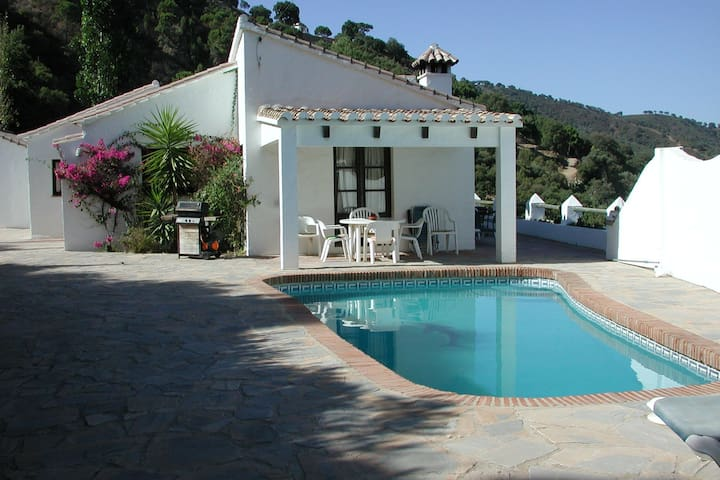 villa with private pool in a very quiet nature reserve near Casares