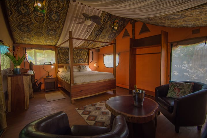 Honeymoon luxury suite v Avatar Eco Lodge