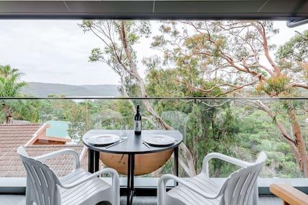 New Studio with Narrabeen Lake Views near Beaches