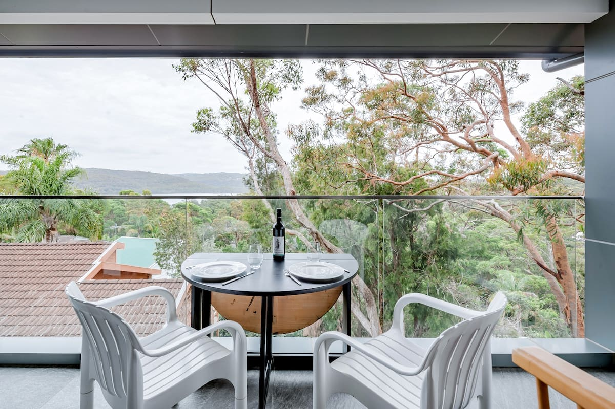 New Studio with Narrabeen Lake Views near Beaches