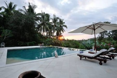 11 bedroom 2 villas combined Balian - Selemadeg
