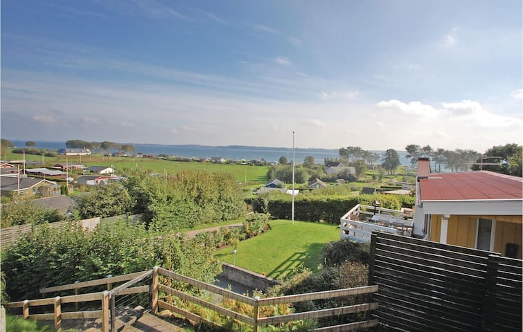 Holiday cottage with 2 bedrooms on 60m² in Aabenraa