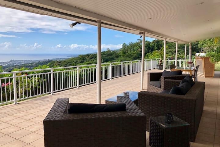 Pamatai Villa - Faa'a Tahiti - sea view pool & garden - 4 bedr up to 6 pers