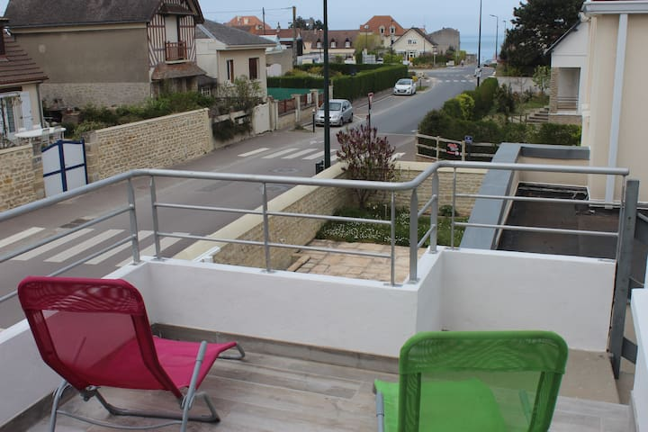 studio indépendant avec terrasse privée vue mer