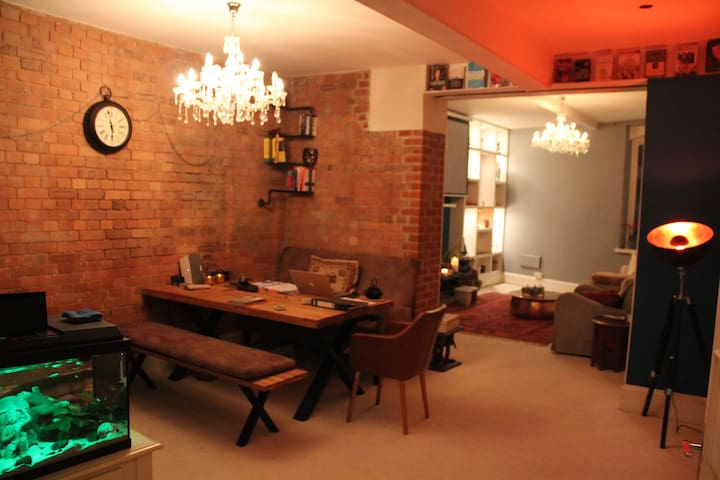 Luxury Chic Warehouse w/Private Room - Londres - Apartamento