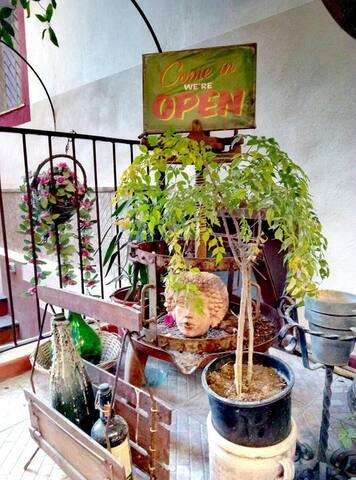 Deliziosa Taverna sul lungomare con giardino