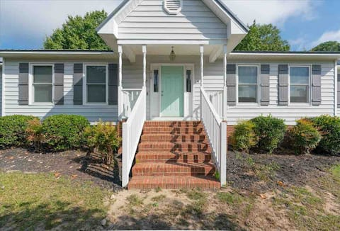 Centrally Located 2BR Apartment!