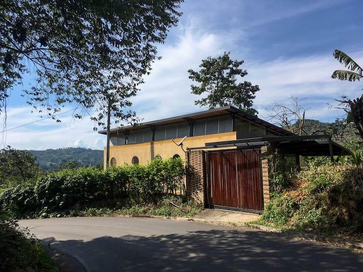 Casa Avy. Alojamiento Rural. Manizales Caldas