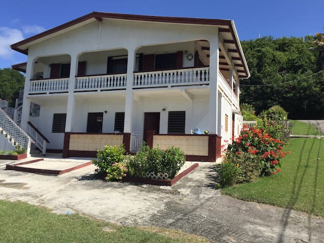 Charming spacious Bungalow/Porch - Christiansted  - บ้าน