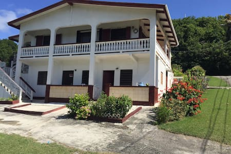 Charming spacious Bungalow/Porch - Christiansted