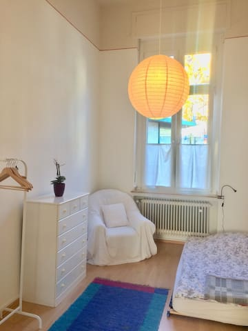 Cozy Room️ in special 90 qm ground floor apartment