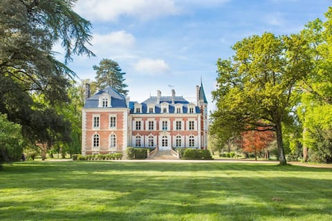 Chateau De Flora at Pays de la Loire