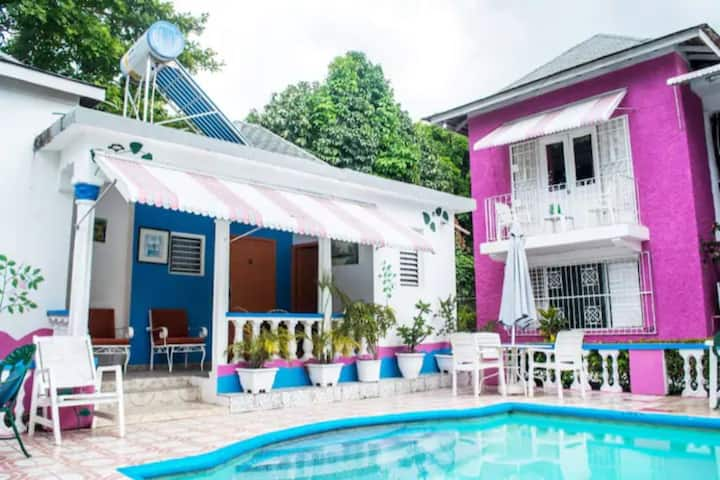 The Pink Pearl Suite @ Pink Hibiscus Villa