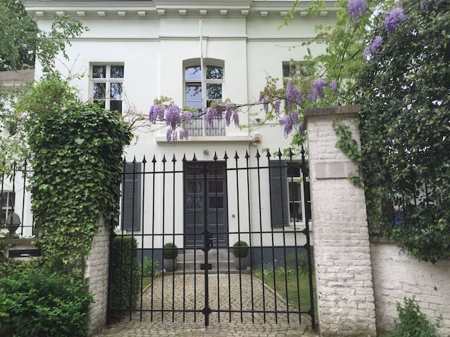 Italian flair in Brussels - Watermael-Boitsfort - Haus