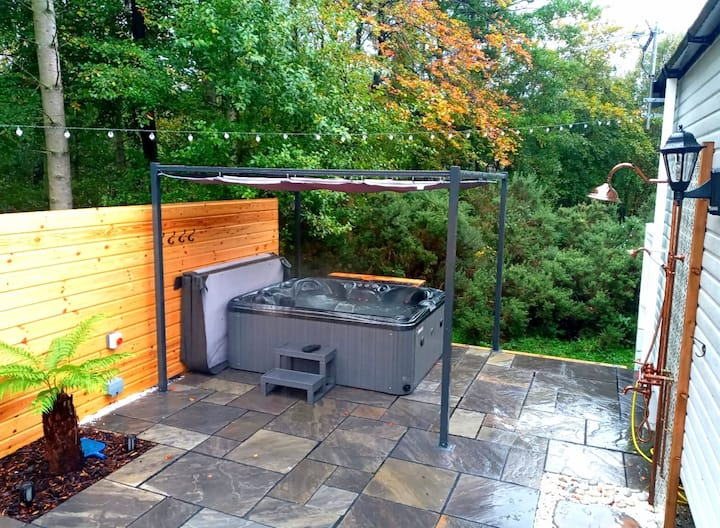 🌞Treehouse - Hot tub, Percy Wood Country Retreat