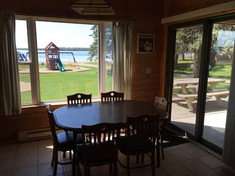 Cabin 9 Lakefront 3 bdrm Family & Pet Friendly