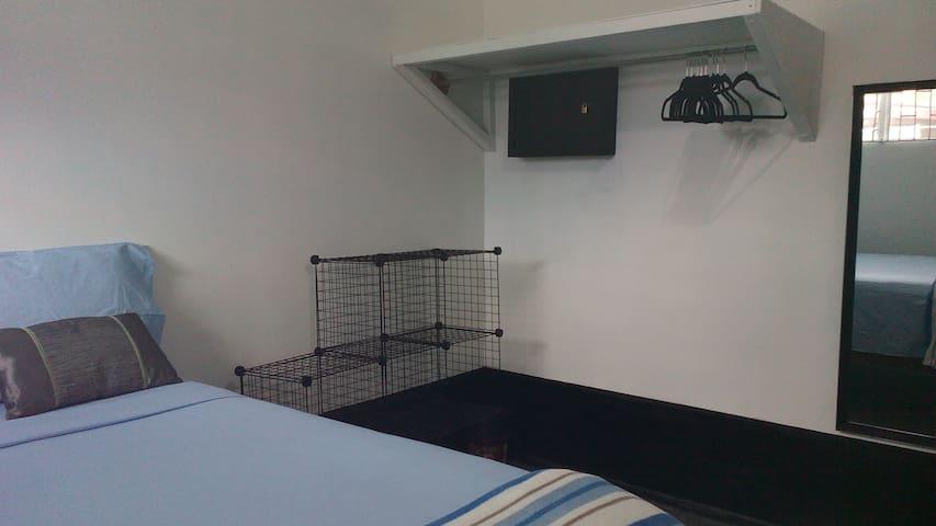 Room 6 - Edinburgh