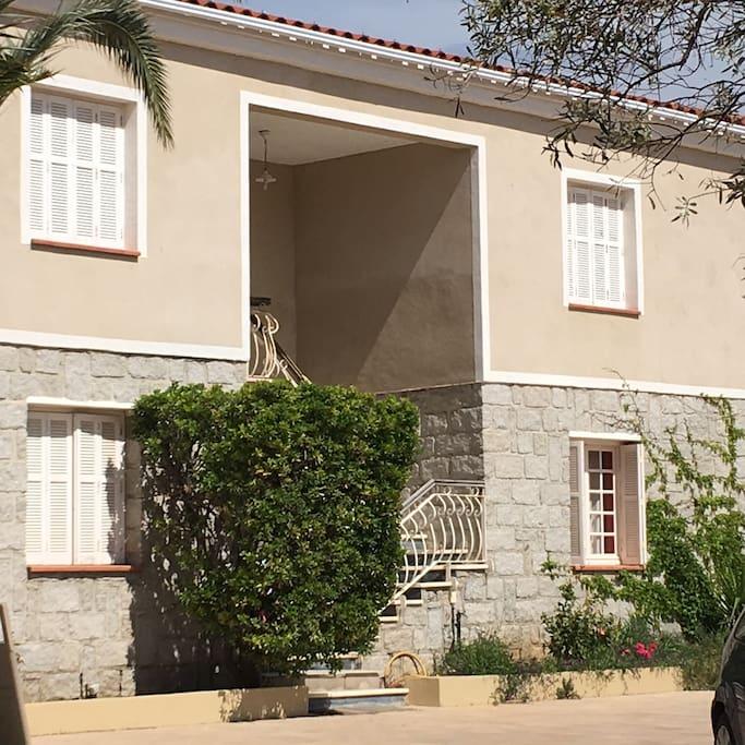 Appartement avec jardin et piscine collective maisons - Location maison ou appartement avec jardin ...