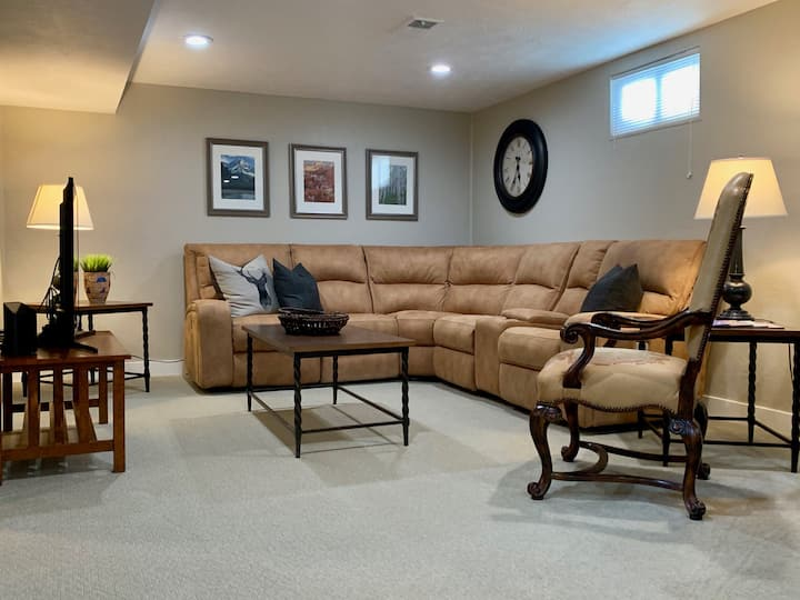 Awesome Downstairs Apartment 5 Minutes from U of U