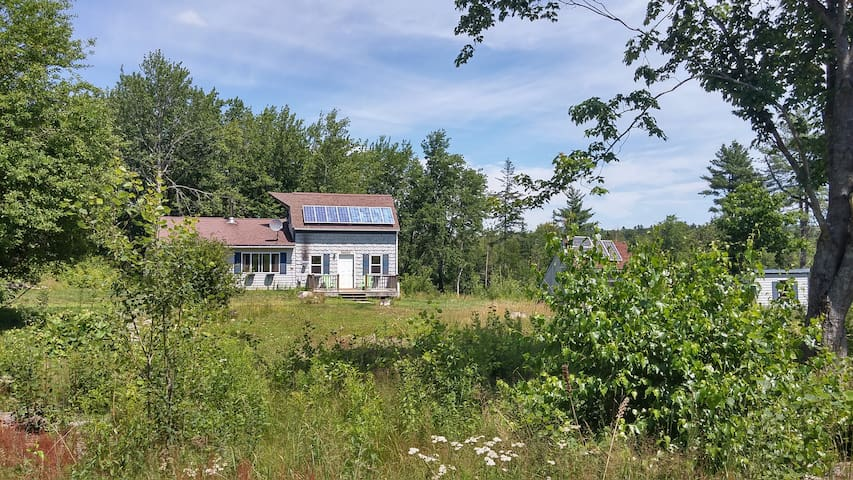 Coastal Maine Off the Grid Cottage - Surry - Kabin