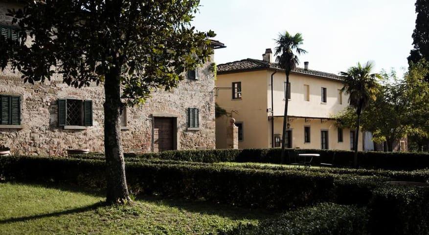 Fattoria Rozzalupi B&B fra Vinci e Cerreto Guidi