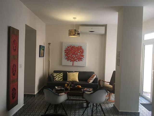 Casco Viejo nice & quiet 2 bedroom & 2 toilet flat - Casco Viejo - Daire