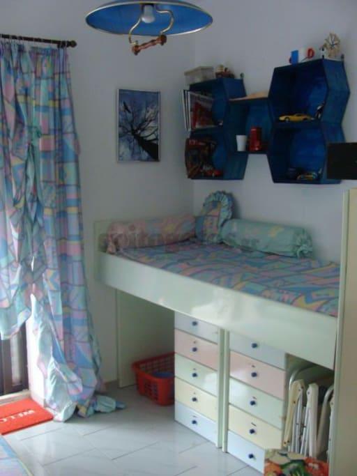 παιδικό δωμάτιο 2 κρεββάτια μονά